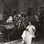 Dans les salons dorés donnant sur la place Jean Jaurès à Perpignan, les jeunes mariés Pams-Noell.