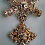 Croix portugaise en or et diamants, 17e s.
