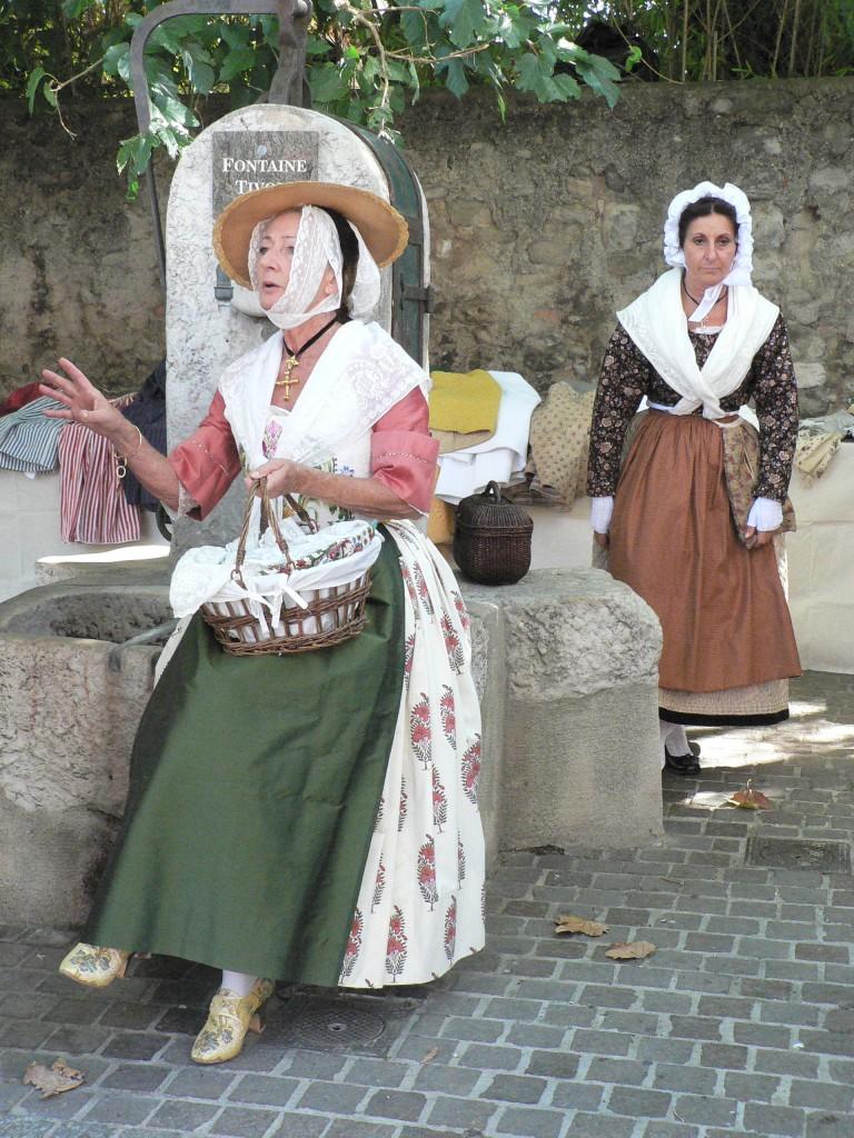 les costumes colorés à l'honneur à Trets