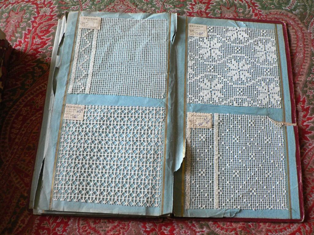 Cahier de colporteur en dentelles, archives Margouet, Perpignan.