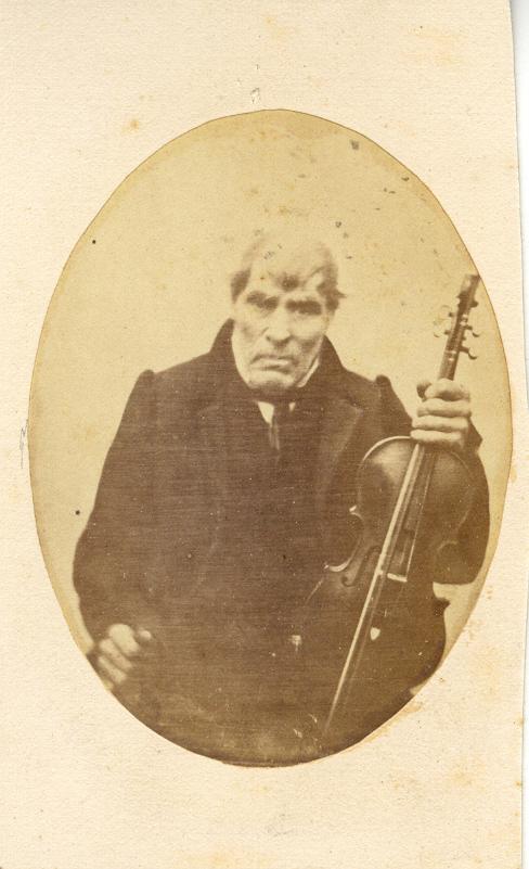 Portrait d'un musicien roussillonnais, peut être le fameux Laflou?