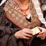 Concours de costumes: bijou en Grenat