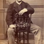 Portrait d'homme assis, ph Cabibel, Perpignan.
