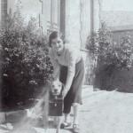 Jeune femme et son chien