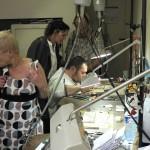 Visite d'un atelier traditionnel de bijoux en Grenats de Perpignan
