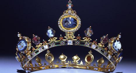 Devonshire Parure  C.F. Hancock (d. 1891)  Or, émail, diamants, cornaline, onyx, grenat, jacinthes, lapis-lazuli, de plasma et de sardoine