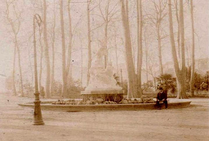 Perpignan, la fontaine monumentale au square.