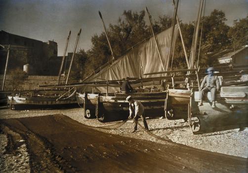 Gervais Courtellemont, Collioure, Les pêcheurs étendant leurs filets pour les faire sécher.