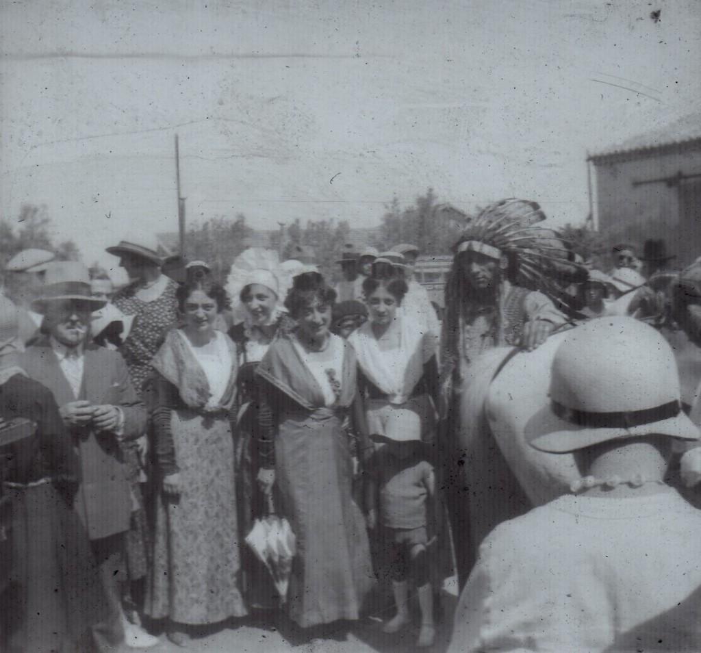 Arlesiennes et indien Lakota