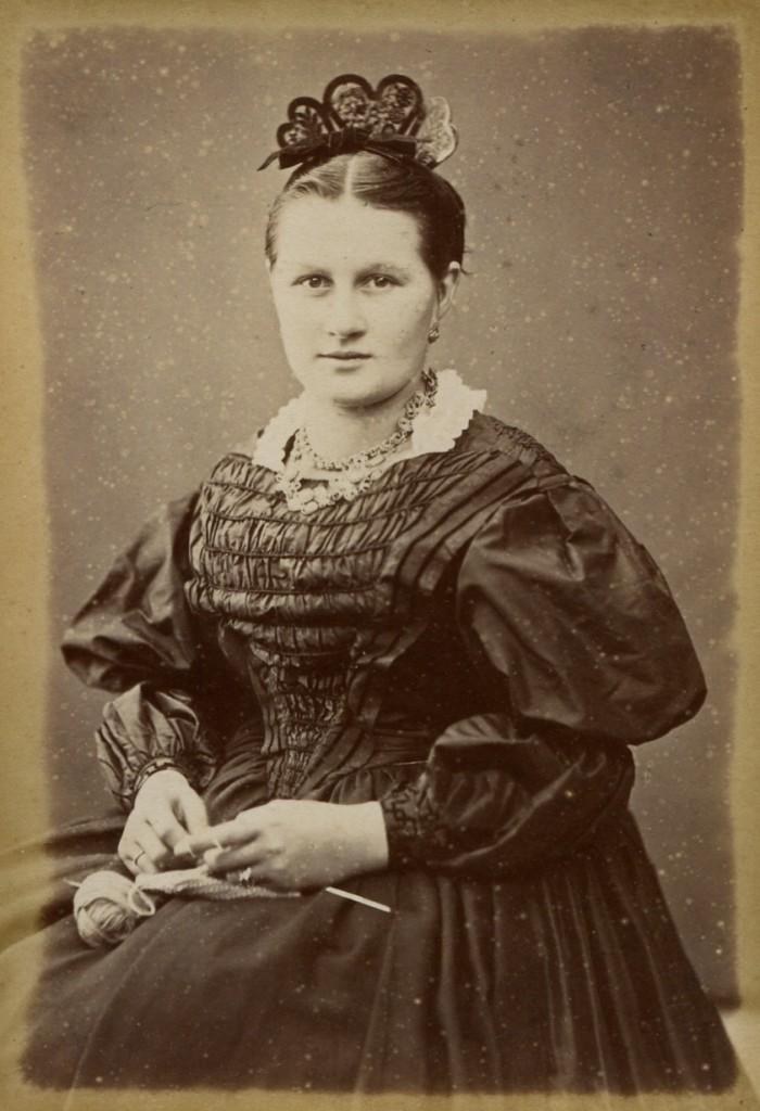 vers 1875.
