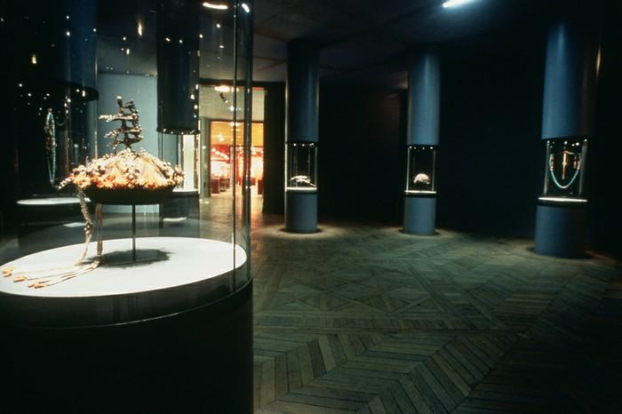 Exemple de parcours muséal présentant le bijou.