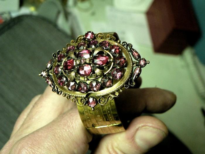 Bracelet Napoléon III en Grenat de Perpignan.