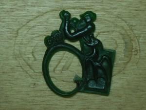 Partie sculptée du bijou (cire) par l'artiste Bernard Romain.