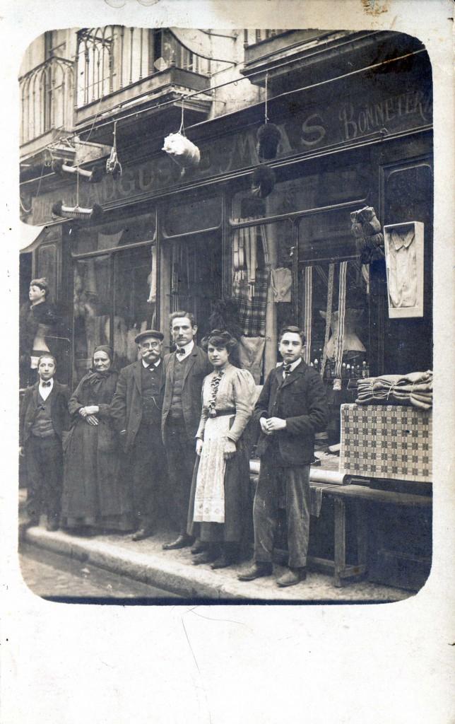 1910, commerce de la rue de l'Ange à Perpignan.