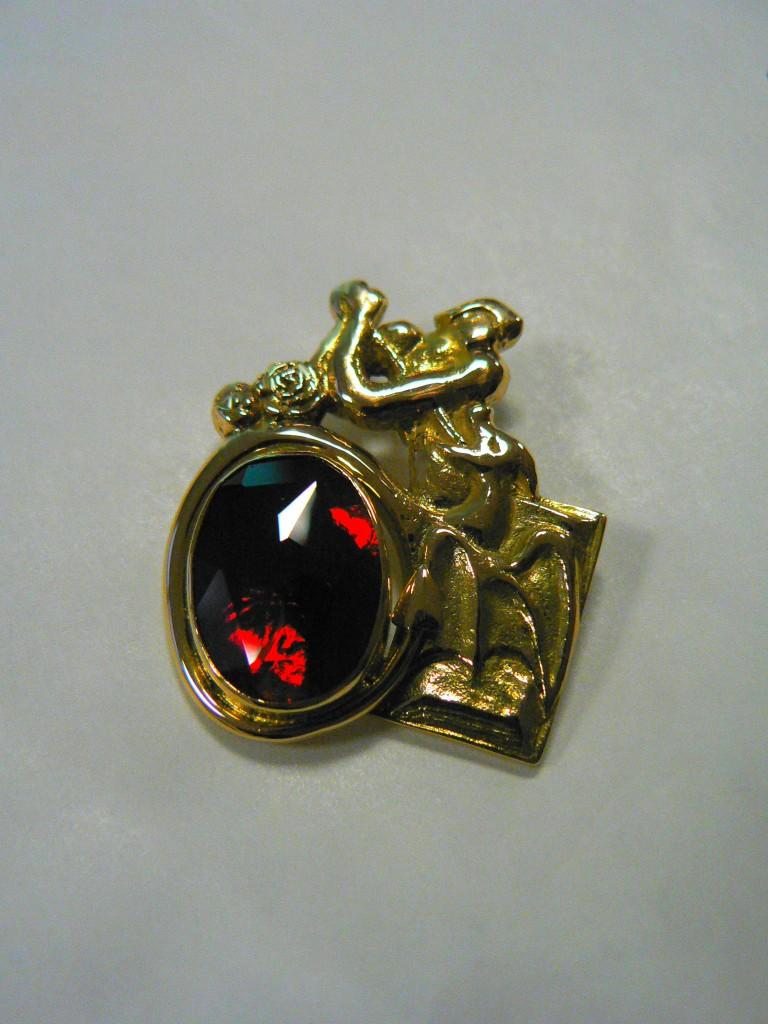 """pendentif """"sant Jordi i el Drac"""" en Grenat de Perpignan"""