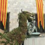 El Drac dans le patio de l'Hotel de Ville de Perpignan