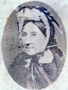 josephine Teulière, épouse Escanyé née a Thuès en 1801.