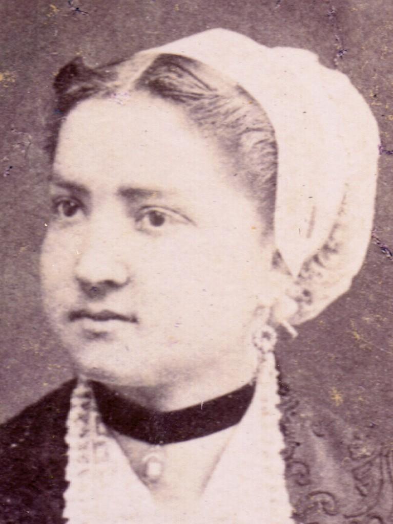 Catalane en coiffe, vers 1870.