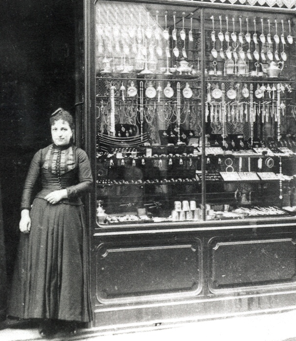 La boutique Velzy à Perpignan en 1875.