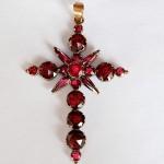 Croix en Grenat de Perpignan, deuxième moitié du XIXe s.