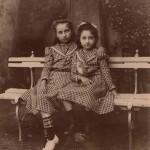 petites filles à la colombe, Jolieu photo