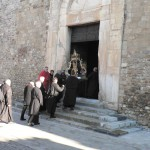 Elne, l'entrée dans la cathédrale