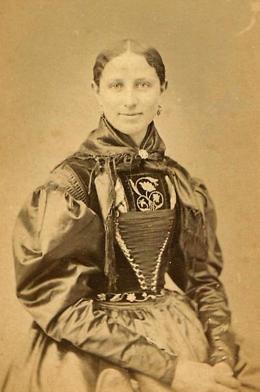 femme de Lechtal, vers 1870.