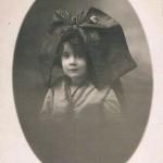 fillette en coiffe alsacienne, guerre de 14-18.