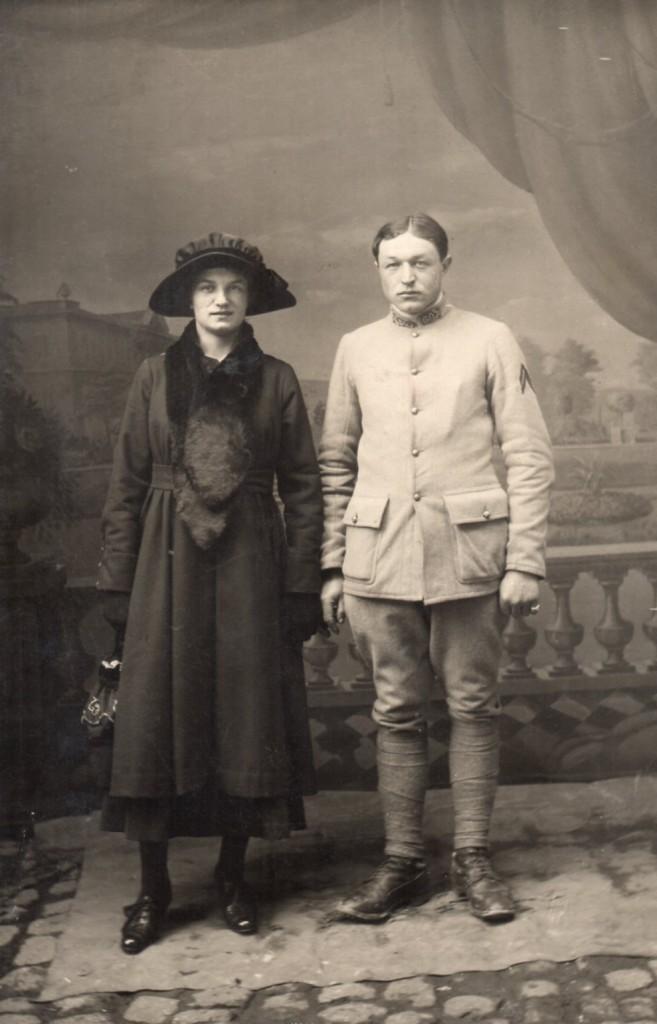 Mode pendant la guerre 14-18, carte photo envoyée à Catherine Auriol habitant Maury