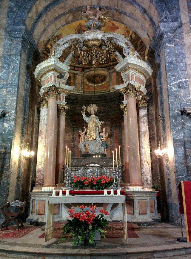 chapelle et reliques de Saint Narcisse, église Sant Feliu.