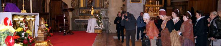 Missa en catala i veneracio del reliquiari de Sant Eloi dels joiers de la Confraria del Granat