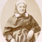 Portrait de femme en costume traditionnel toulousain