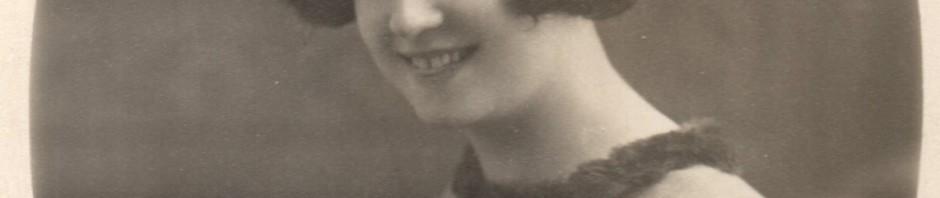 Portrait d'Odette BARRE, photo Baudry, Perpignan.