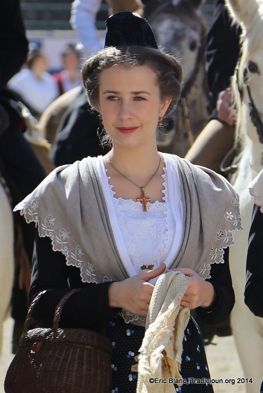 Mandy Graillon, Reine d'Arles.Mandy Graillon, Reine d'Arles.