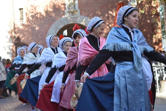 Danseurs Catalans d'Amélie les Bains, photo Stéphane Ferrer Yulianti