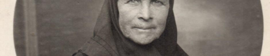 Dona amb mocador de cap
