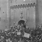 Castillet, la porte Notre Dame en 1905 lors de la manifestation viticole.