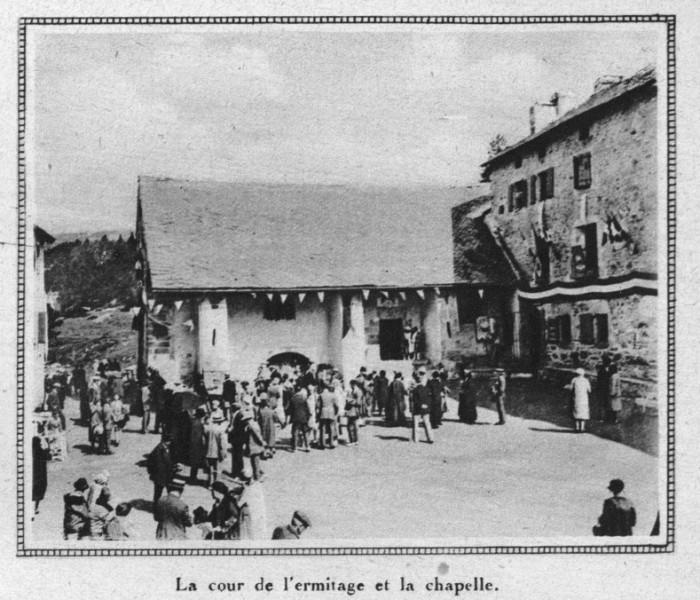 Ermitage de Font-Romeu, la cour.