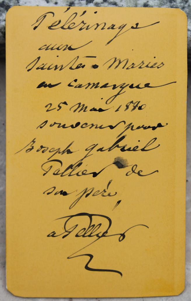 Inscription et signature au dos.