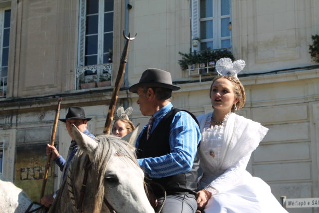 Naïs LESBROS, nouvelle Reine d'Arles