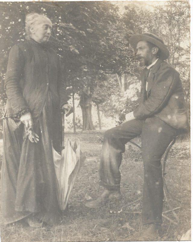 Madame SEBE et Henri SEBE son fils.