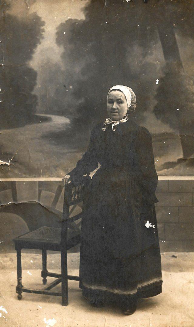 Portrait de femme âgée, Théza.